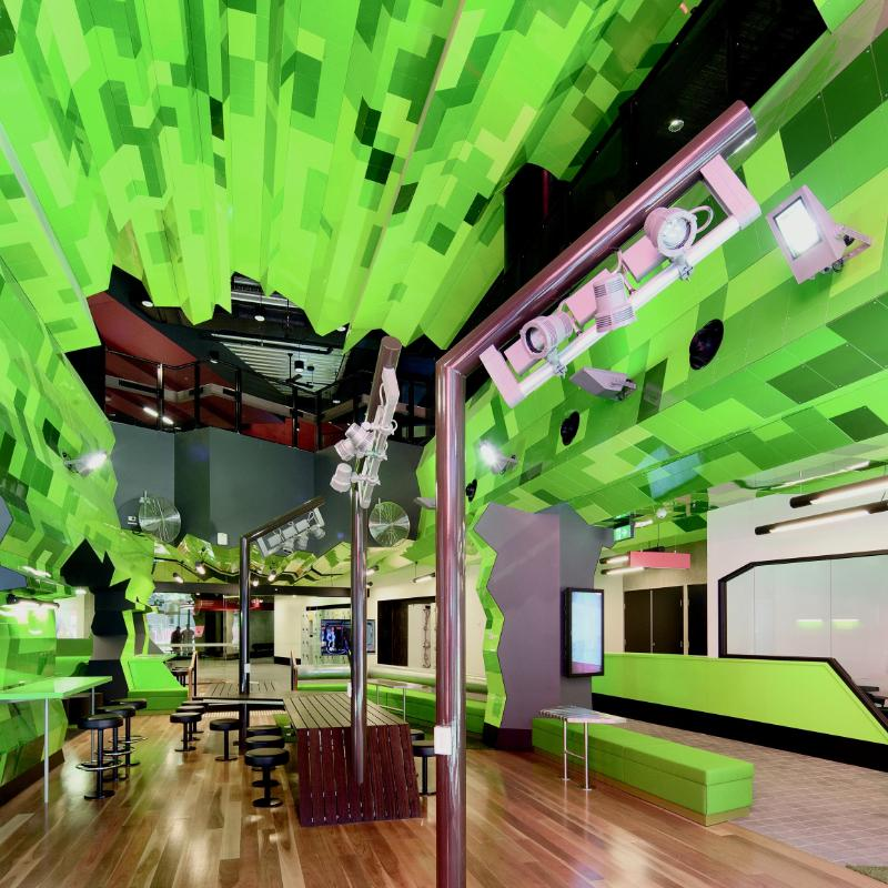 /content/dam/rmit/rmit-images/buildings/city-campus/swanston-academic-building/SAB-green-public-space_large_BUS.jpg