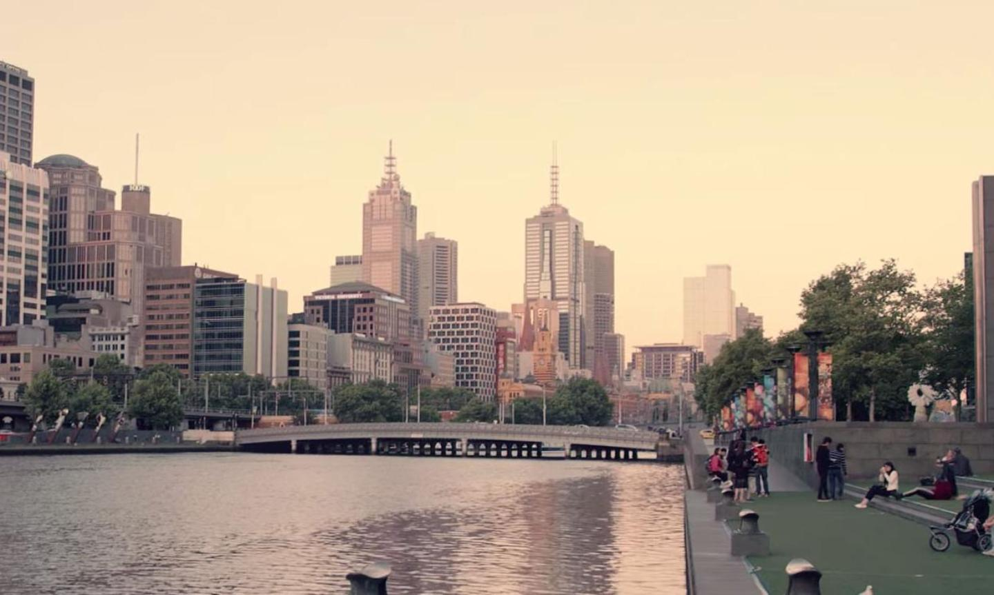 Yarra river and city